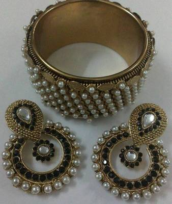 Designer Earings with Traditional Moti Kadas
