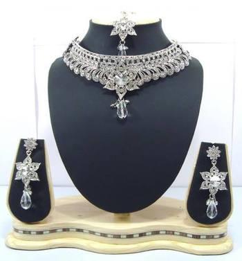 Dealtz Fashion silver tone clear cz choker necklace set