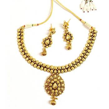 Craftstages Traditional Thama Necklace with earrings