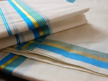 Kerala Handloom 2 piece traditional mundu set for women