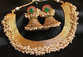 Beautiful Designer Kemp Green Pearl Cluster Necklace Set
