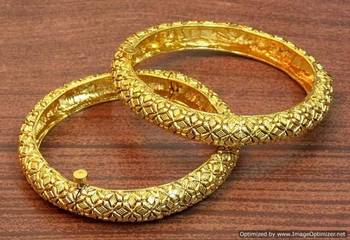 Traditional and ethnic gold plated bangles