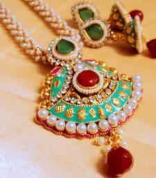 Buy royal pearl necklace set Necklace online