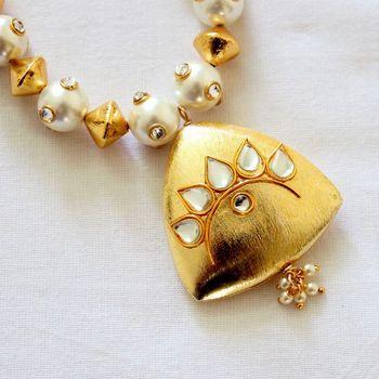 Gold Polish Kundan Necklace Set