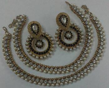 Designer Black colour Earings with Traditional Pearl Anklets