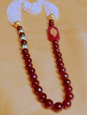 royal stone and pearls long mala with brooch
