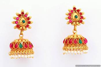 Fashionable Earring Collection 5