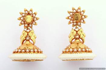 Fashionable Earring Collection 7