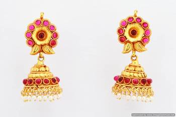 Fashionable Earring Collection 20