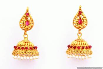 Fashionable Earring Collection 25