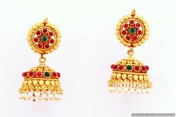 Fashionable Earring Collection 32
