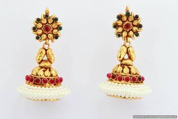Fashionable Earring Collection 38