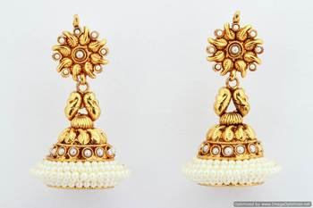 Fashionable Earring Collection 39