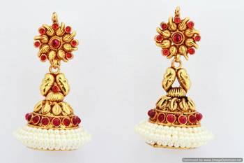 Fashionable Earring Collection 40