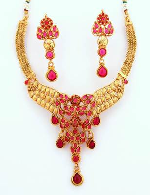 Fashionable Necklace Collection 2