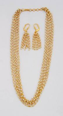 Fashionable Necklace Collection 26