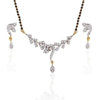 Heena Trendy  Mangalsutra set with cluttered design