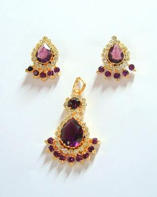 Pendat Earrings Set