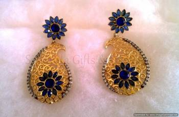 Blue Flower On Top Delicate Earring