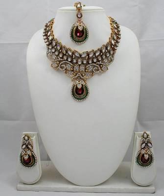 Designer Necklace Set with Kundan & Stone
