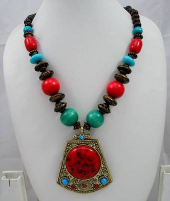 Handicraft Fashion Necklace