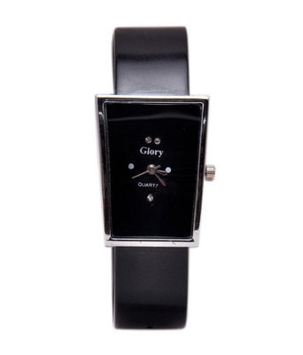 New Fashion Casual Black color Rubber strap stylist Women's wear Quartz Wristwatch