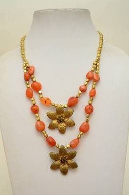 Engaging Stone and Metallic Necklace