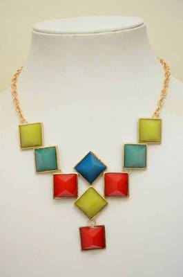 Right Angles Resin and Metallic Necklace