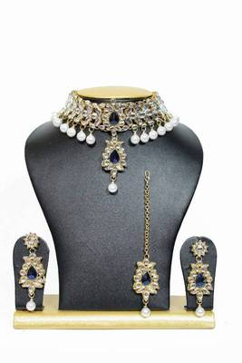 Pretty Close Neck Kundan Jewelry Set in Blue with Pearls