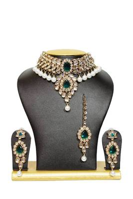 Stunning Close Neck Kundan Necklace Set in Green with Pearls