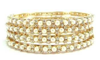 gold plated faux pearl cz 4pc bangle me7055