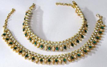Green Tilak pearl anklet