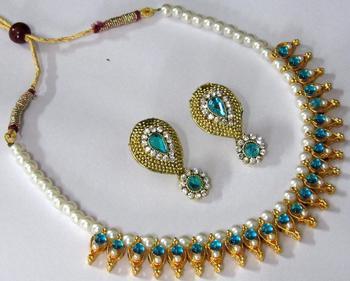 Sky Blue Pearl Leaf Polki Necklace Set