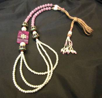 Long Traditional Adora 's necklace !!