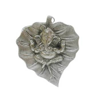 eCraftIndia Lord Ganesha on Leaf