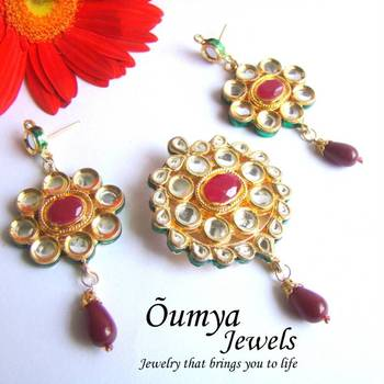 Traditional Red Kundan Pendant Set with Earrings