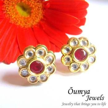 Traditional Kundan Stud