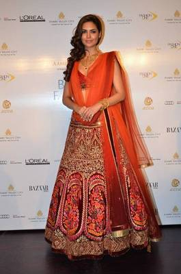 Bollywood esha gupta bridal lehenga