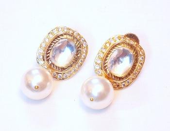 Elegant n stylish UNCUT POLKI PEARL earring
