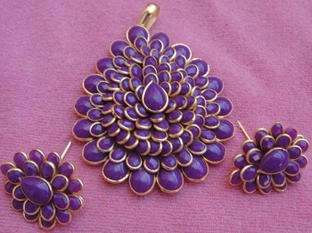 Purple color pachi pendent with earrings