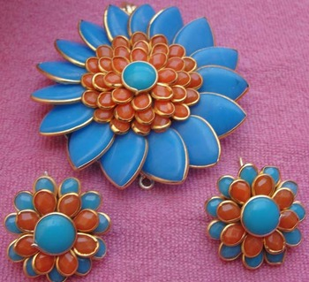 Orange Blue Pachi Pendent with earrings