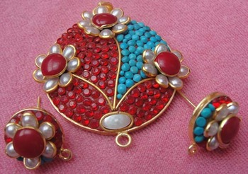 Red Blue Takkar and pachi work pendent with earrigns