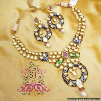 ROYAL KUNDAN ENAMELLING NECKLACE SET