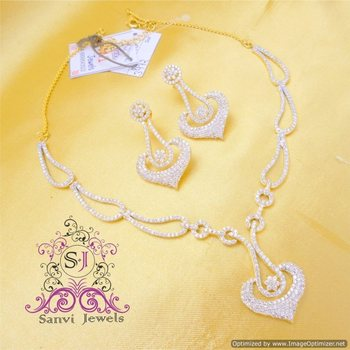 Diamond Look Gorgeous Necklace Set