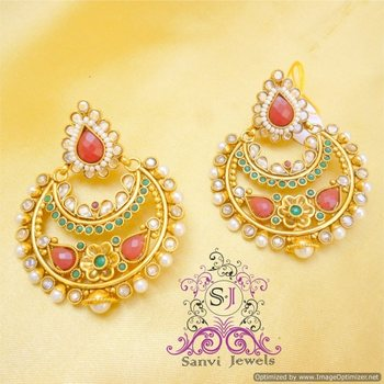 Flower Shaped Polki  & Pearl Earring