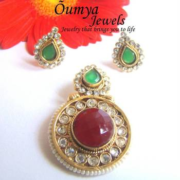Ruby Red -Green Pendant Set with Earstuds