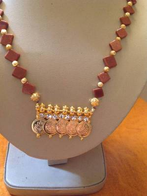Elegant necklace with traditional laxmi coins