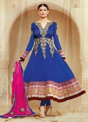 Sushmita Sen Aweosme Long Anarkali Suit