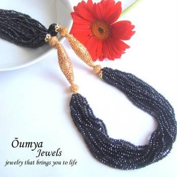 Black Glamarous Semiprecious necklace