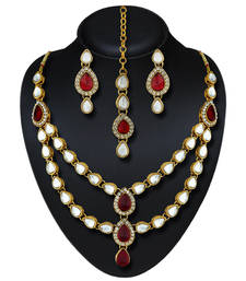 Attractive Look Kundan And Stone Gold Finishing Necklace Set with Maang Tikka